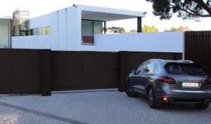 Ворота откатные в алюминиевой раме с заполненением сэндвич-панелями DoorHan SLG-A