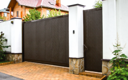 Ворота откатные DoorHan с калиткой, окнами